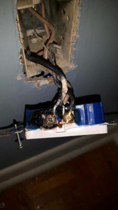Prise électrique fondue