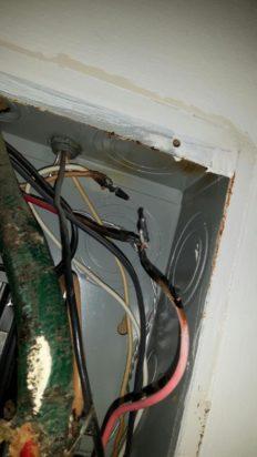 Joints dans panneau électrique